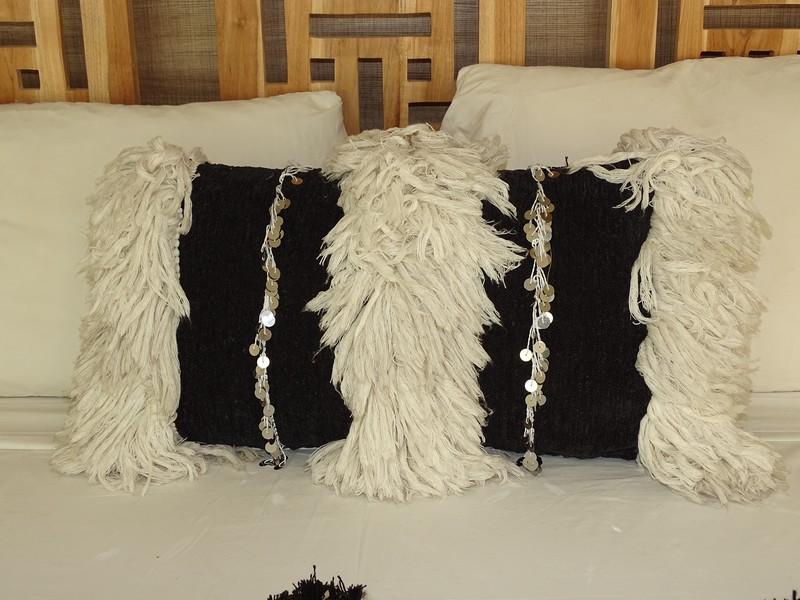 moroccan rugs Wedding cushion  Coussin de mariage  REF BK1 sequins