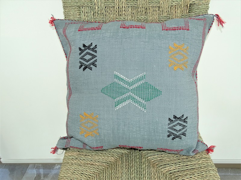 Cushions-Blankets Plaids-Bedspreads-Poufs Cushions kilim with embroidery moroccan rugs Cushion  embroidered kilim  Coussin kilim brodé  REF G1