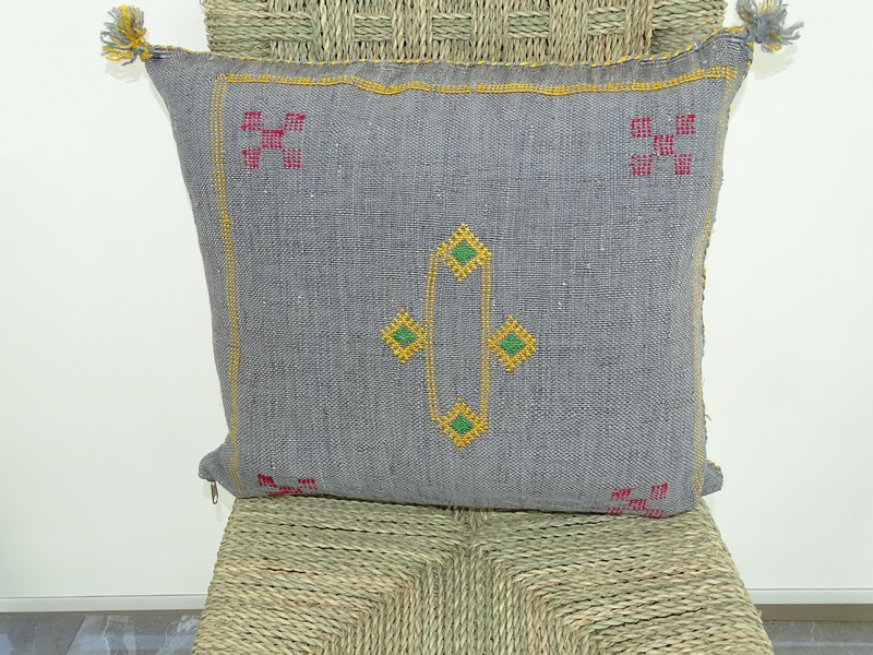 Cushions-Blankets Plaids-Bedspreads-Poufs Cushions kilim with embroidery moroccan rugs Cushion  embroidered kilim  Coussin kilim brodé  REF G2