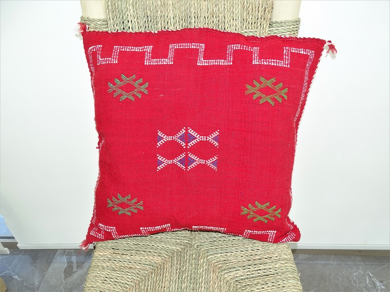 Cushions-Blankets Plaids-Bedspreads-Poufs Cushions kilim with embroidery moroccan rugs Cushion  embroidered kilim  Coussin kilim brodé  REF R1