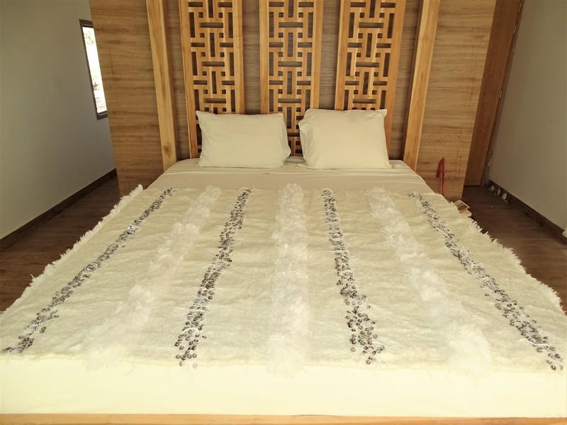 AZILAL-ZANAFI Wedding blankets moroccan rugs Couverture de mariage BLANCHE  1