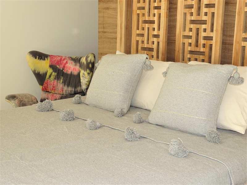 Cushions-Blankets Plaids-Bedspreads-Poufs Cotton bedspread with pompoms moroccan rugs Plaid dessus de lit avec pompons et deux coussins  REF SETA1