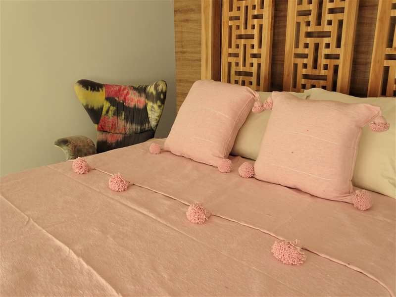 Cotton or wool bedspread with pompoms #SET100F1