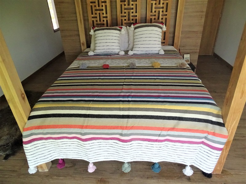 Cotton or wool bedspread with pompoms #BSC100U1