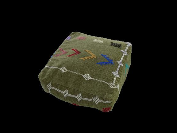 Kissen-Decken-Bettdecken-Poufs Poufs aus kelim oder sabra Teppich PKB pouf cover  with embroidered kilim
