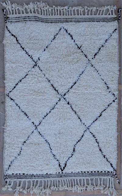 Berber rug #BO54066 from the Beni Ourain catalog